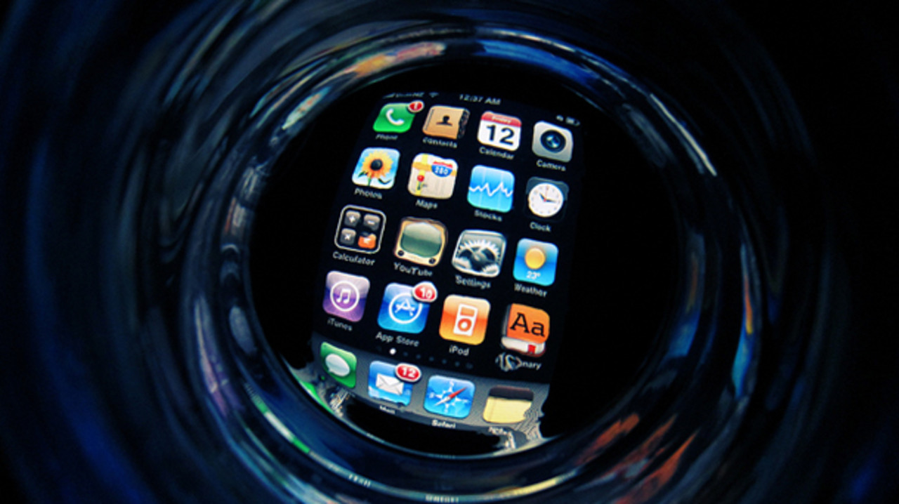 1750612-the-dangerously-clean-water-used-to-make-your-iphone-rotator
